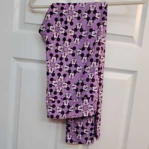 Lularoe adult leggings ***TC***